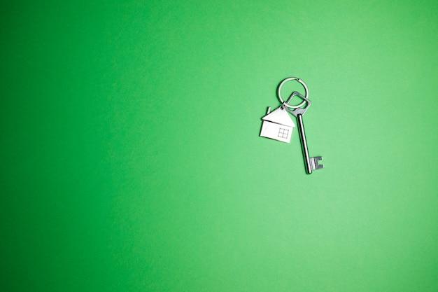 Schlüssel auf grün