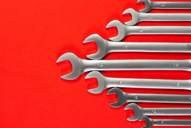 Schlüssel auf rot
