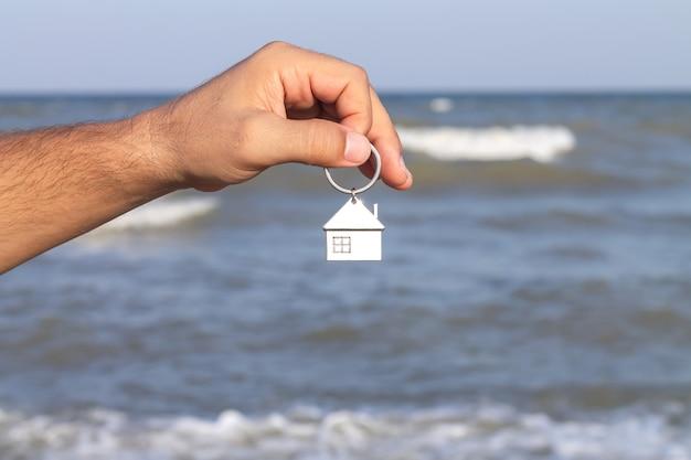 Schlüssel mit schlüsselbund-miete-hypothekenkauf-konzept
