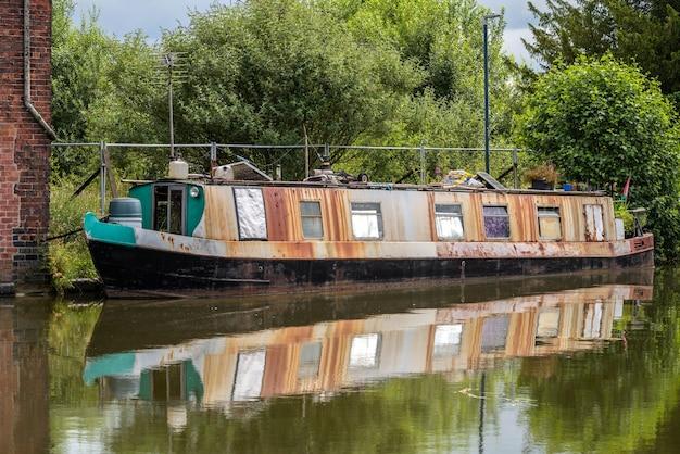 Schmales boot in ellesmere, shropshire?