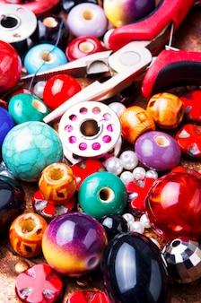 Schmuck aus perlen herstellen