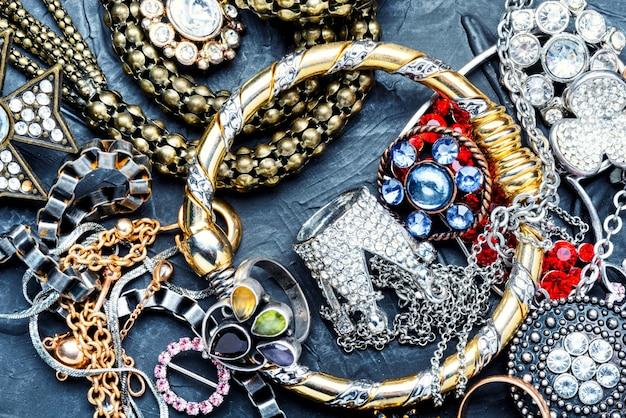 Schmuck und juwelen.