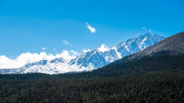 Schneeberg blauer himmel
