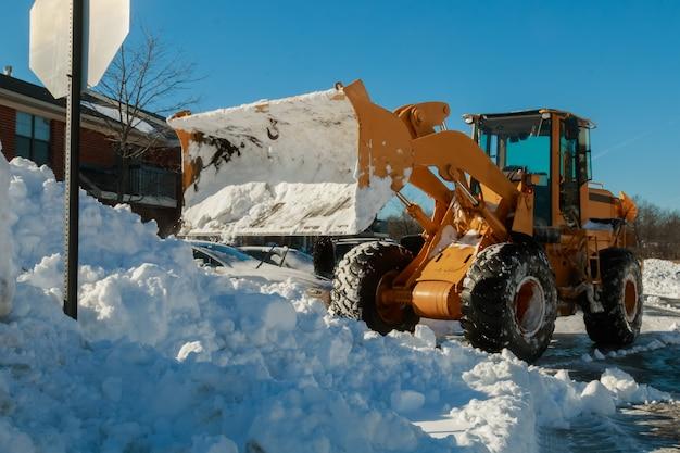 Schneeräumfahrzeug entfernen