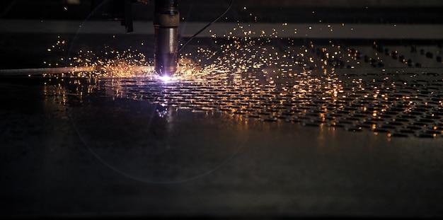 Schneiden sie laser-maschinen-cnc-funken