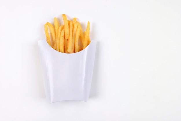 Schnellimbißpommes-frites lokalisiert auf weißem hintergrund.