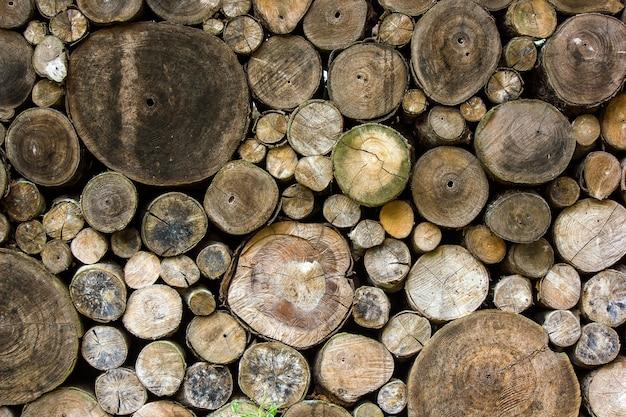 Schnittholz ist, um die natürliche wand am bauernhof in thailand zu sein
