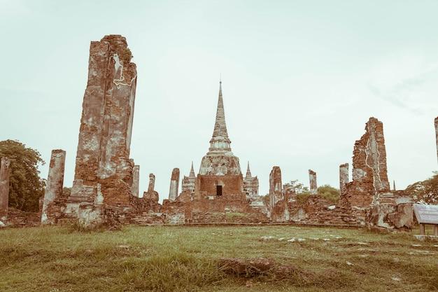 Schöne alte architektur historisch von ayutthaya in thailand