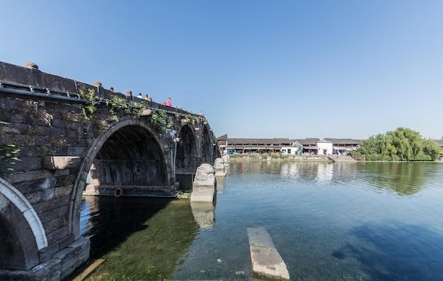 Schöne alte stadt in hangzhou, china
