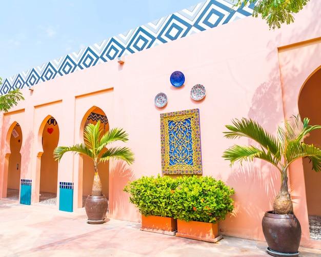 Schöne architektur im marokkanischen stil