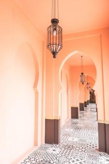Schöne architektur im marokko-stil