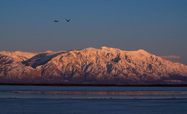 Schöne aufnahme des great salt lake in utah