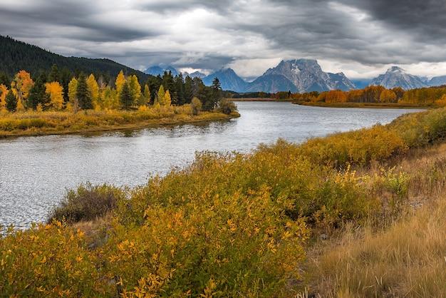 Schöne aussicht auf oxbow bend turn out im grand teton national park.