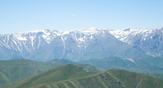 Schöne aussicht berge in armenien
