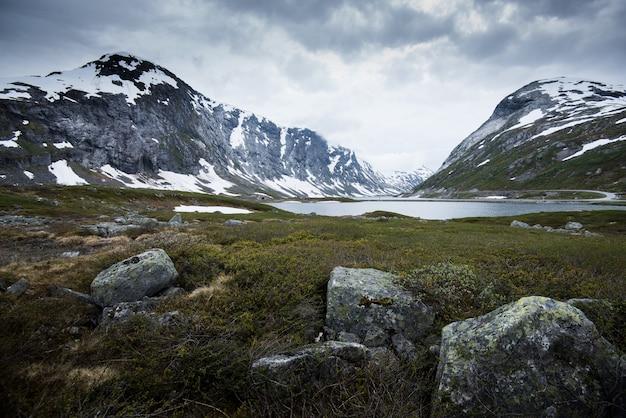 Schöne aussichten in geiranger, geirangerfjord, norwegen