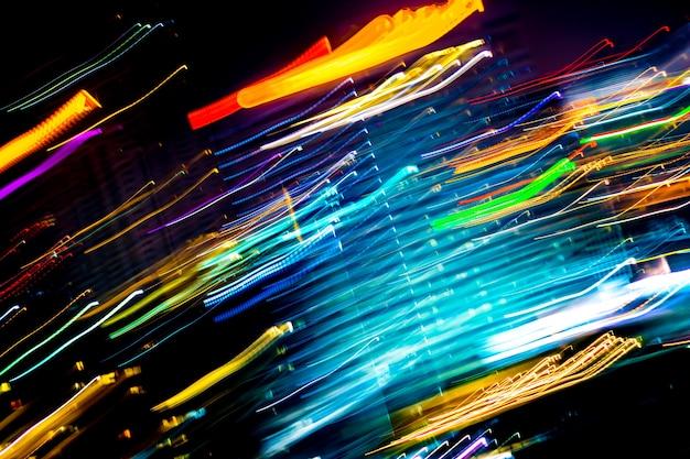Schöne beleuchtung der abstrakten gebäudezusammenfassung der nacht futuristische linie led