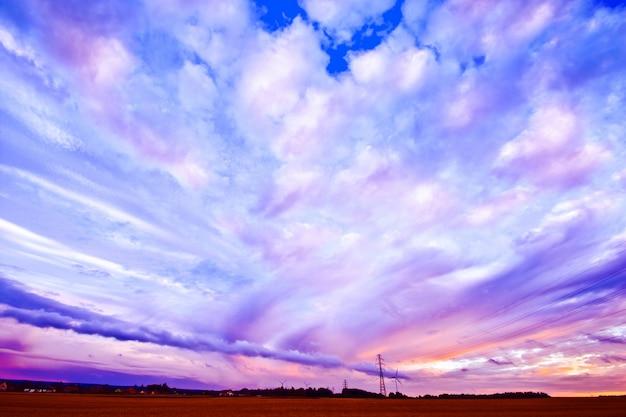 Schöne bunte himmel landschaft.