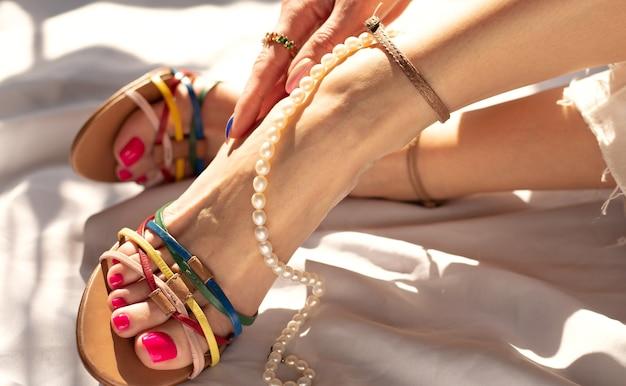 Schöne damenschuhe und accessoires