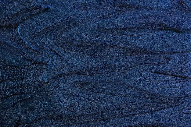 Schöne flecken von flüssigem nagellack, flüssige kunsttechnik. heller lila marmorhintergrund. flüssige gestreifte lackstruktur. nagellackfluss moderner hintergrund. minimalistisches konzept. platz für design kopieren.