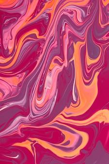 Schöne flüssige textur des nagellacks. rosa hintergrund mit kopienraum. flüssige kunst, gießtechnik. gut als digitales dekor.