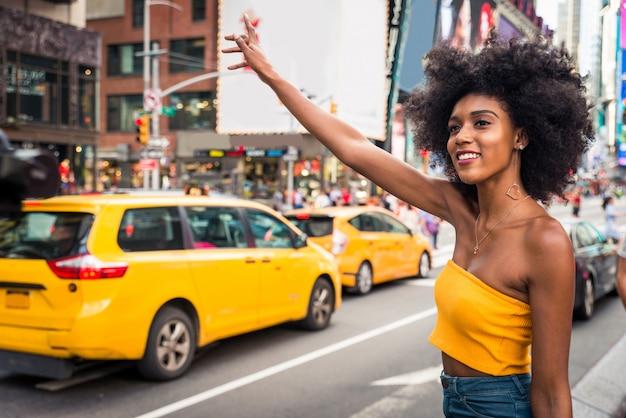 Schöne frau in new york