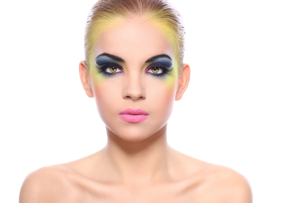 Schöne frau mit buntem make-up