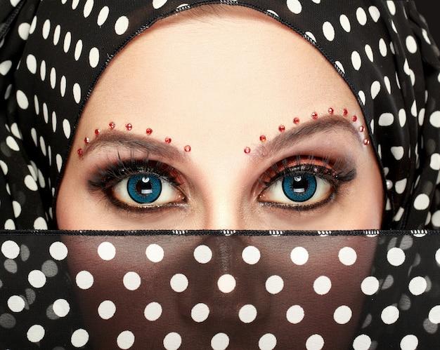Schöne frauenaugen mit make-up