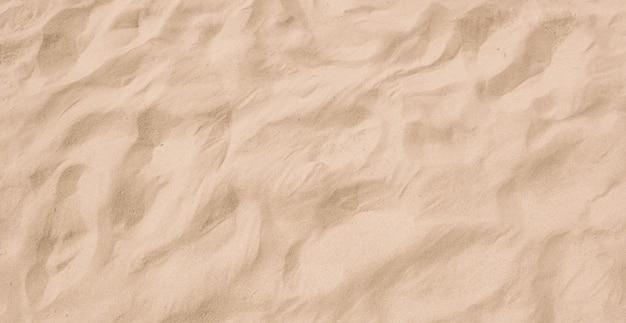 Schöne glatte beschaffenheit des feinen strandsandes im naturstrand.