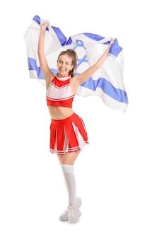 Schöne junge cheerleaderin mit der flagge israels auf weiß
