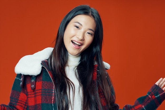 Schöne junge leute modelle posieren, schönheitskonzept, modeporträt