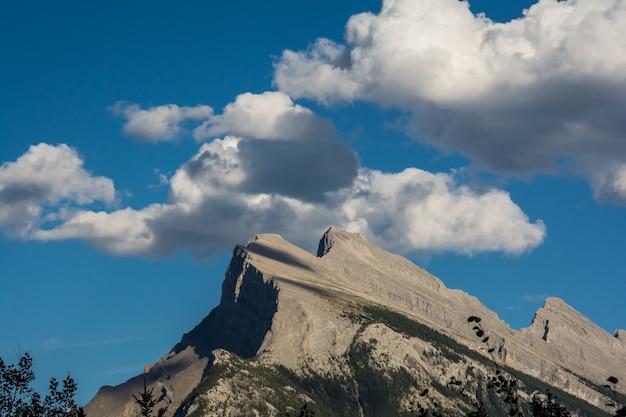 Schöne kanadische rockies-gletscher in den schönen rocky mountains in kanada. banff alberta