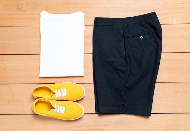 Schöne lässige männermode und kleidungsset