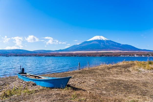 Schöne landschaft des berges fuji um yamanakako see