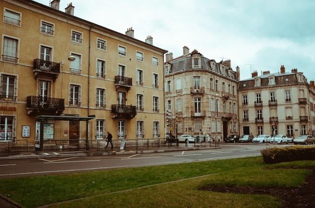 Schöne landschaftsaufnahme der historischen architektur von nancy, frankreich