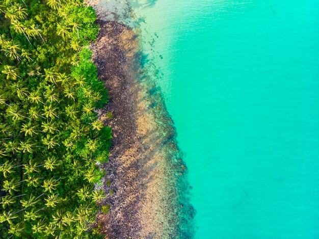 Schöne luftaufnahme des strandes