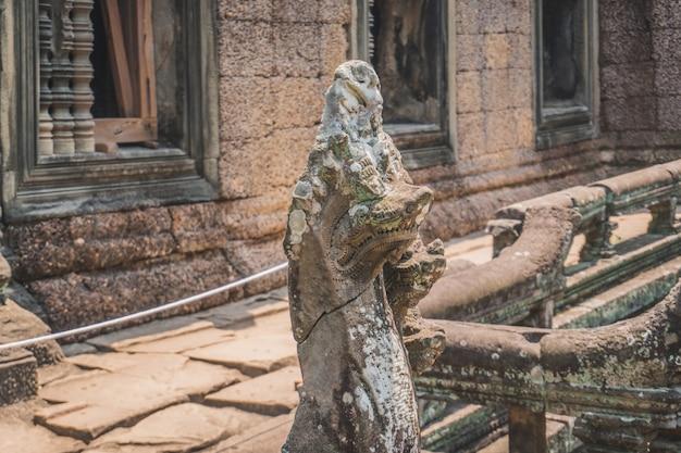 Schöne nahaufnahme des leeren angkor wat tempelkomplex banteay srei tempel siem reap kambodscha