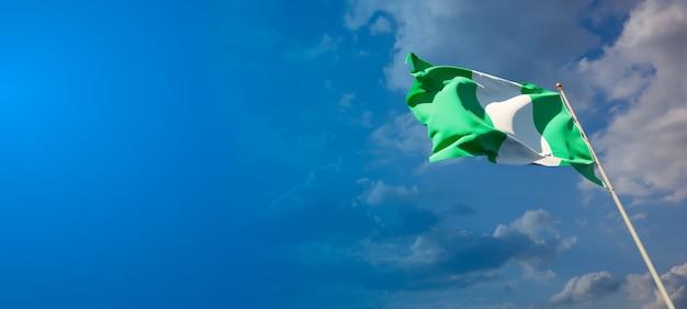 Schöne nationalstaatsflagge von nigeria mit leerzeichen auf breitem hintergrund