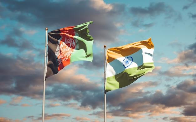 Schöne nationalstaatsflaggen von indien und afghanistan zusammen