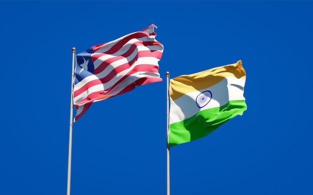 Schöne nationalstaatsflaggen von liberia und indien zusammen