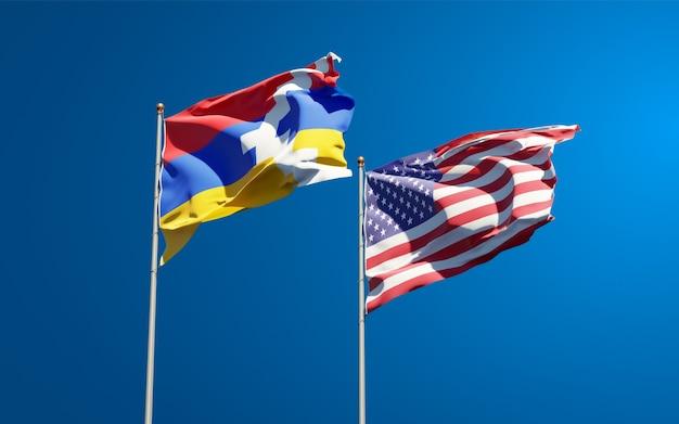 Schöne nationalstaatsflaggen von usa und artsakh zusammen