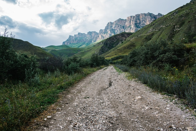 Schöne natürliche landschaft der berge, kaukasus, russland, elbrus