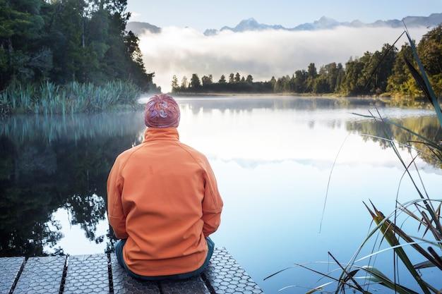 Schöne naturlandschaften - mt cook reflexion im lake matheson, südinsel, neuseeland