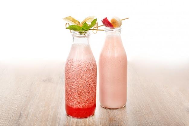 Schöne portion von zwei cocktails