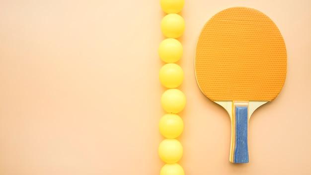 Schöne sportkomposition mit ping-pong-elementen