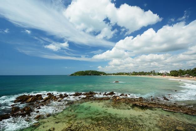 Schöne strandlandschaft in sri lanka