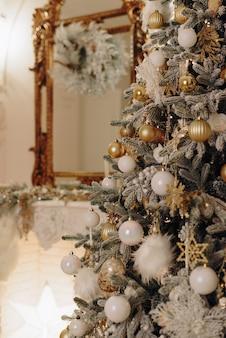 Schöne teure indoor-weihnachtsdekoration