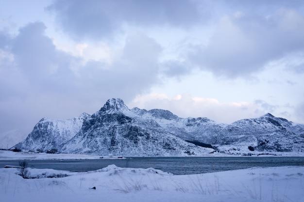 Schöne unberührte natur in nordskandinavien