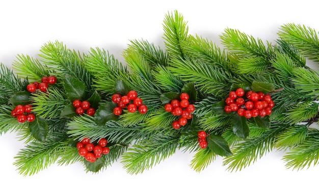 Schöne weihnachtsbordüre aus tanne und mistel