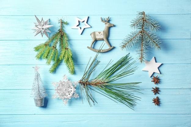 Schöne weihnachtskomposition auf farbtabelle