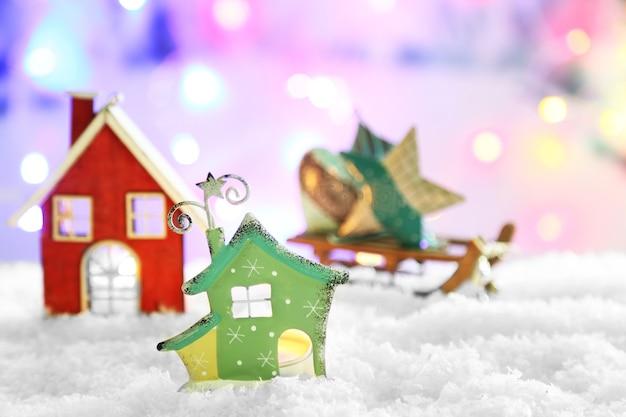 Schöne weihnachtskomposition auf glänzender oberfläche